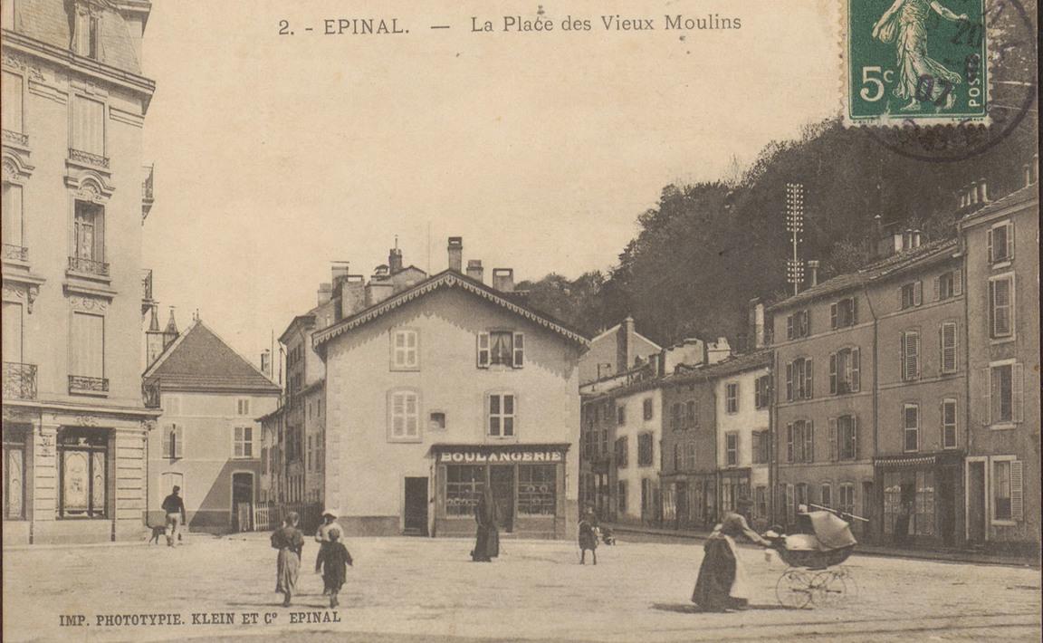 Contenu du Épinal, La Place des Vieux Moulins