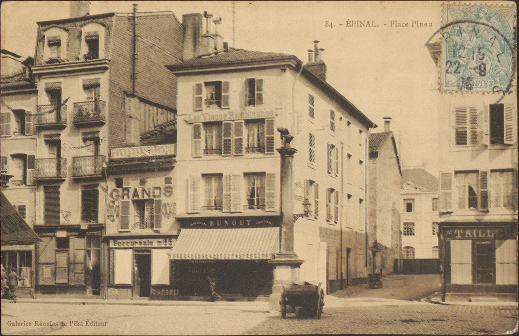 Contenu du Épinal, Place Pinau