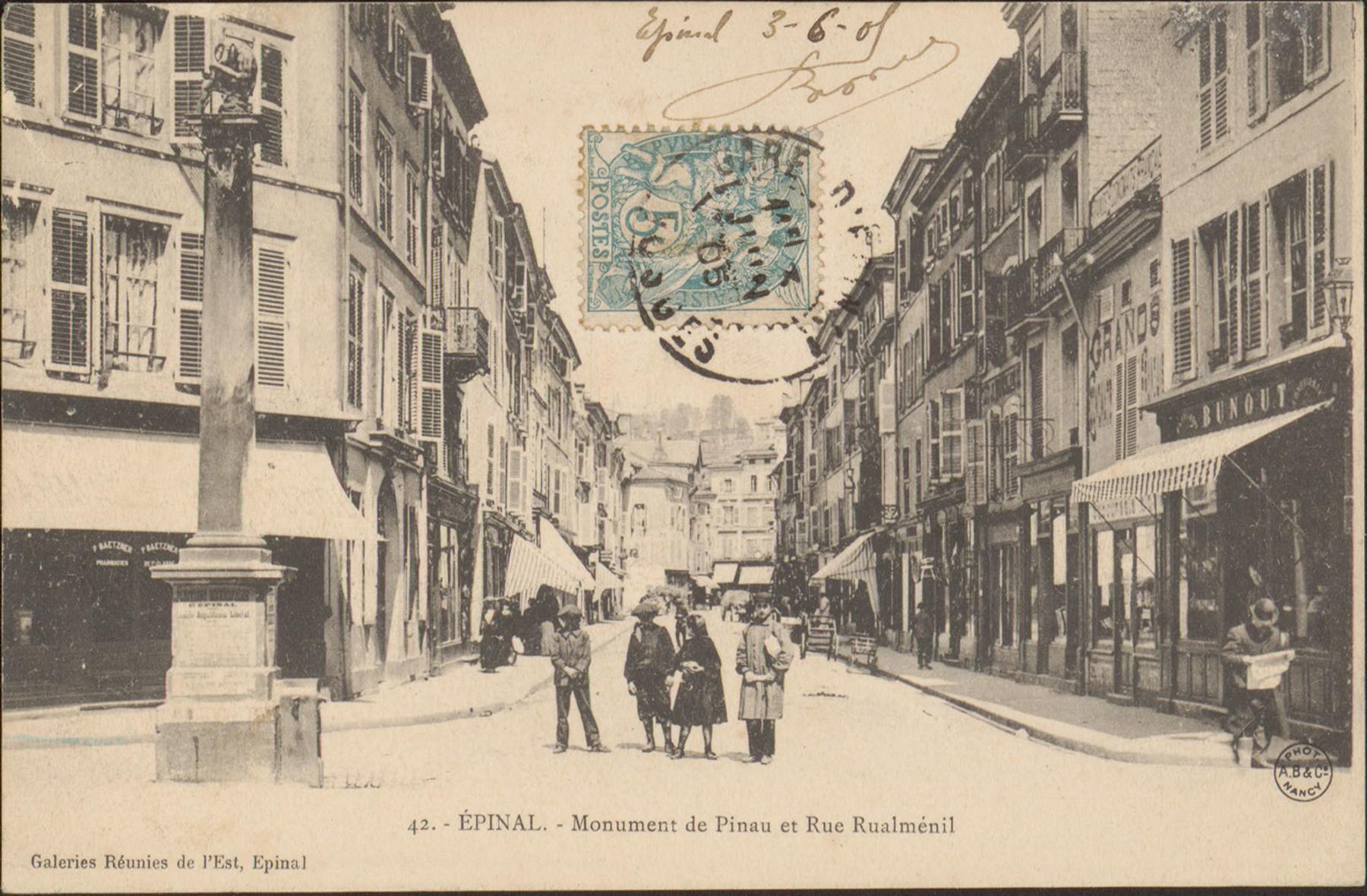 Contenu du Épinal, Monument de Pinau et Rue Rualménil