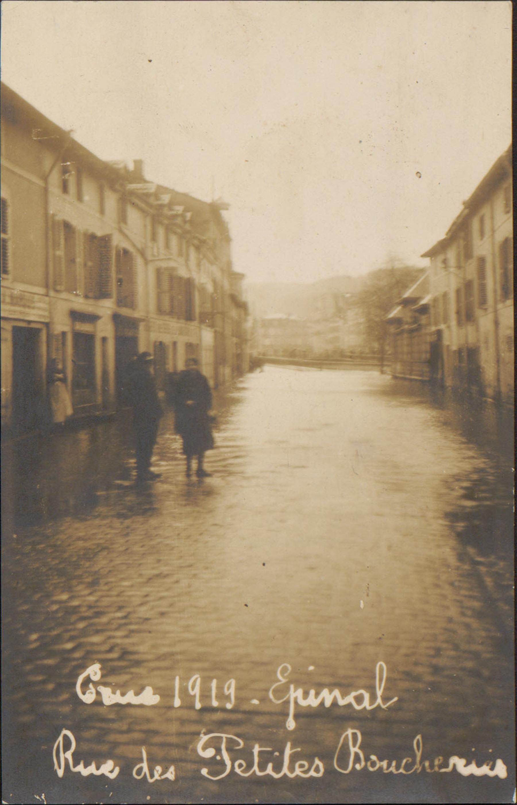 Contenu du Crue 1919 Épinal, Rue des Petites Boucheries