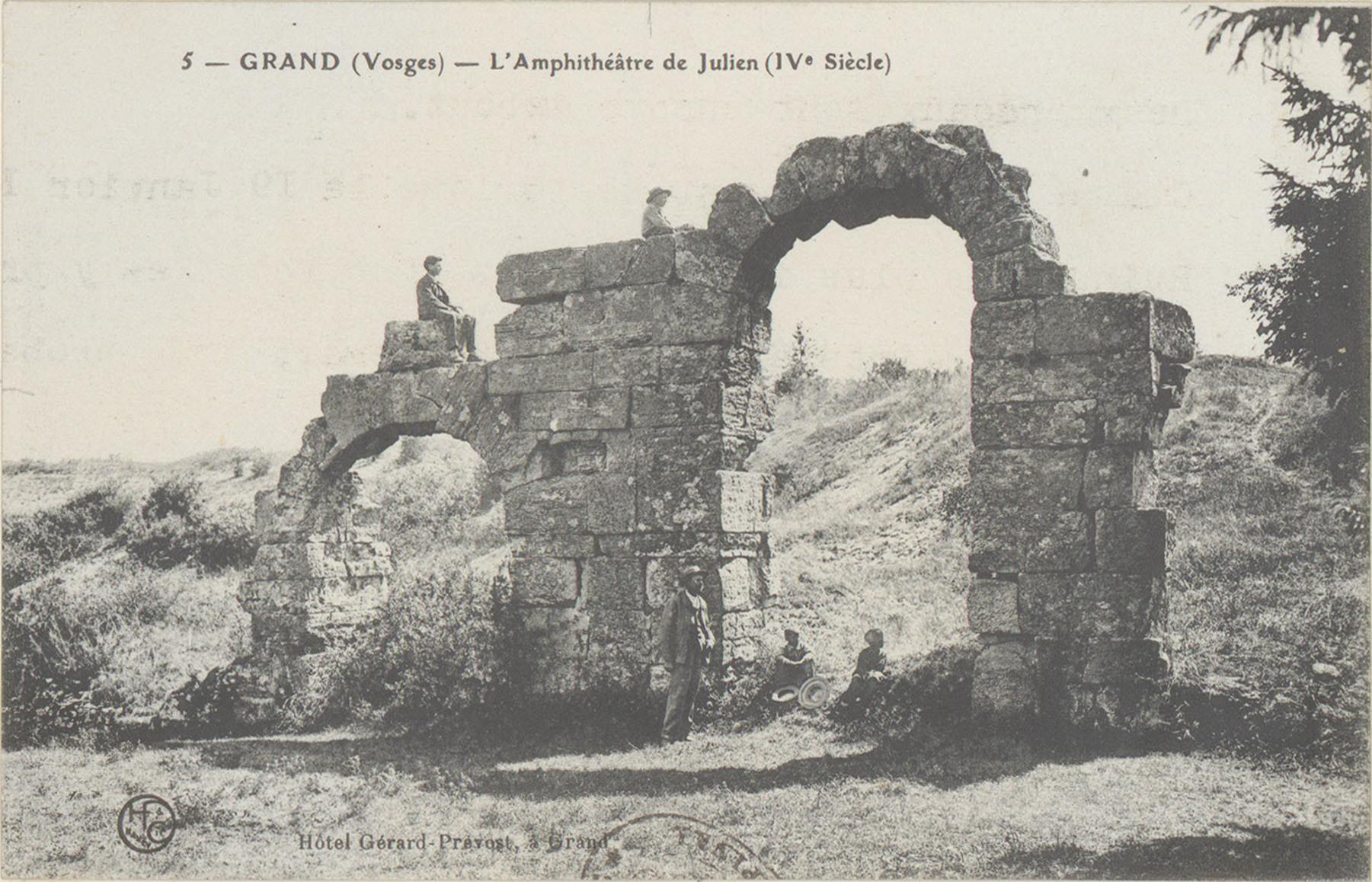 Contenu du Grand (Vosges), L'Amphithéâtre de Julien