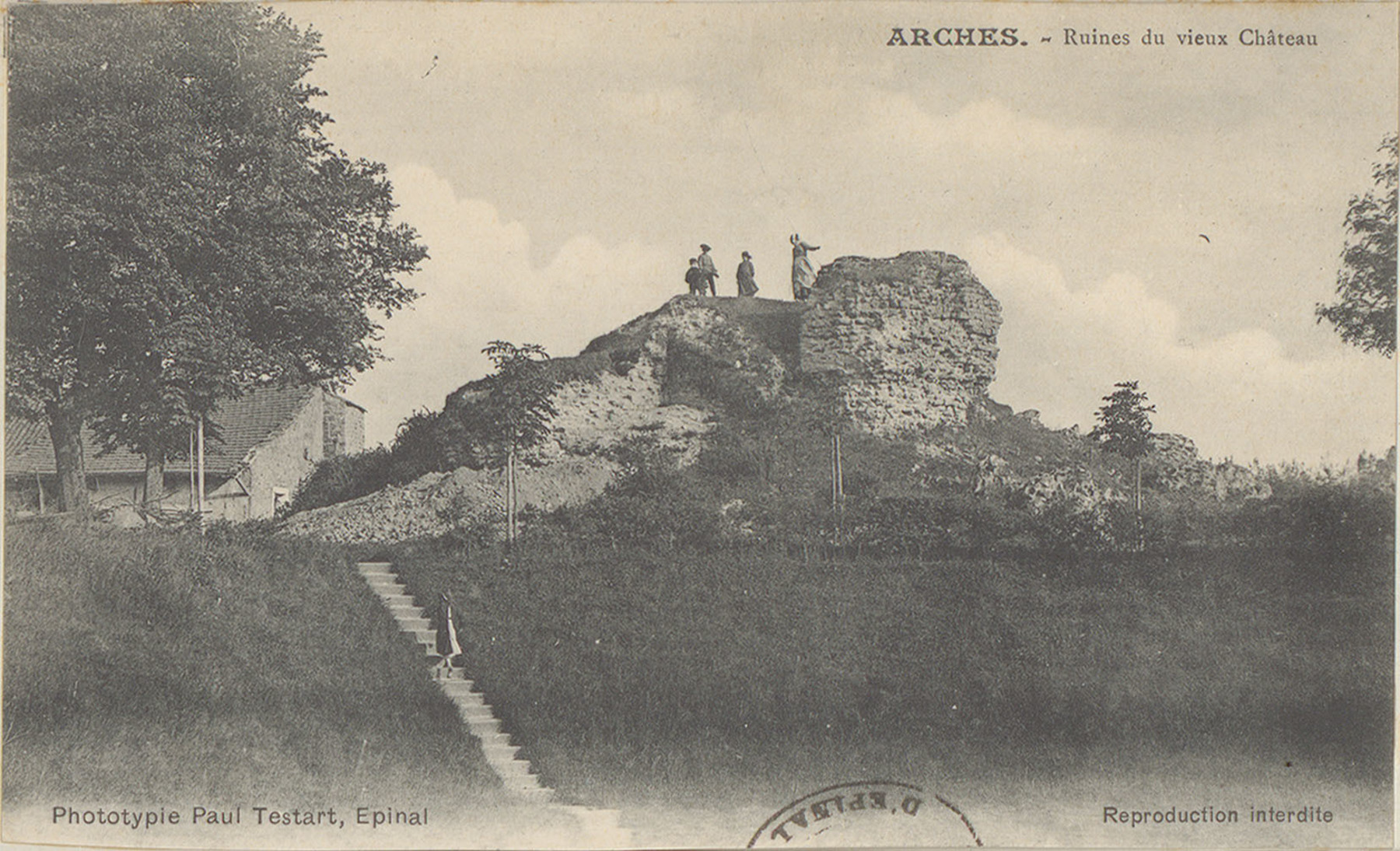 Contenu du Arches, Ruines du vieux Château