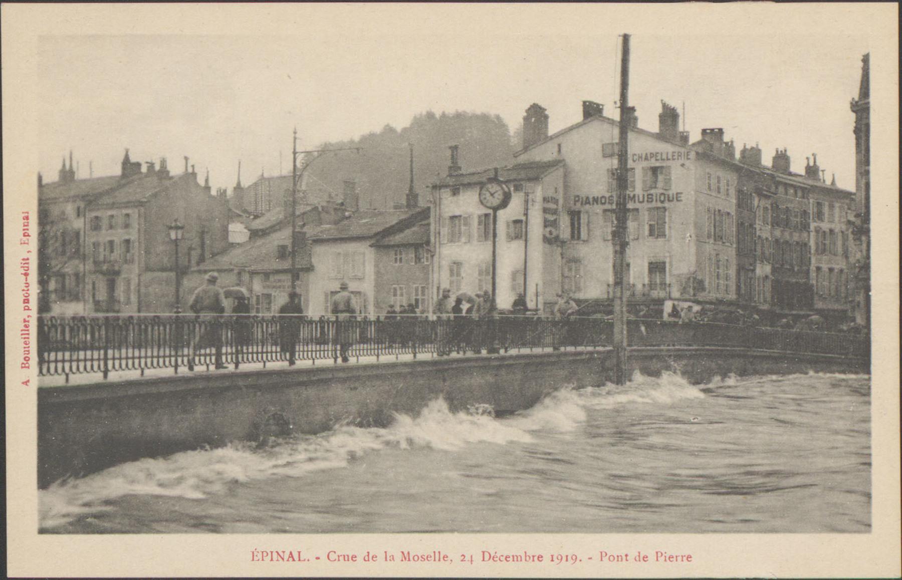 Contenu du Épinal, Crue de la Moselle, 24 décembre 1919, Pont de Pierre