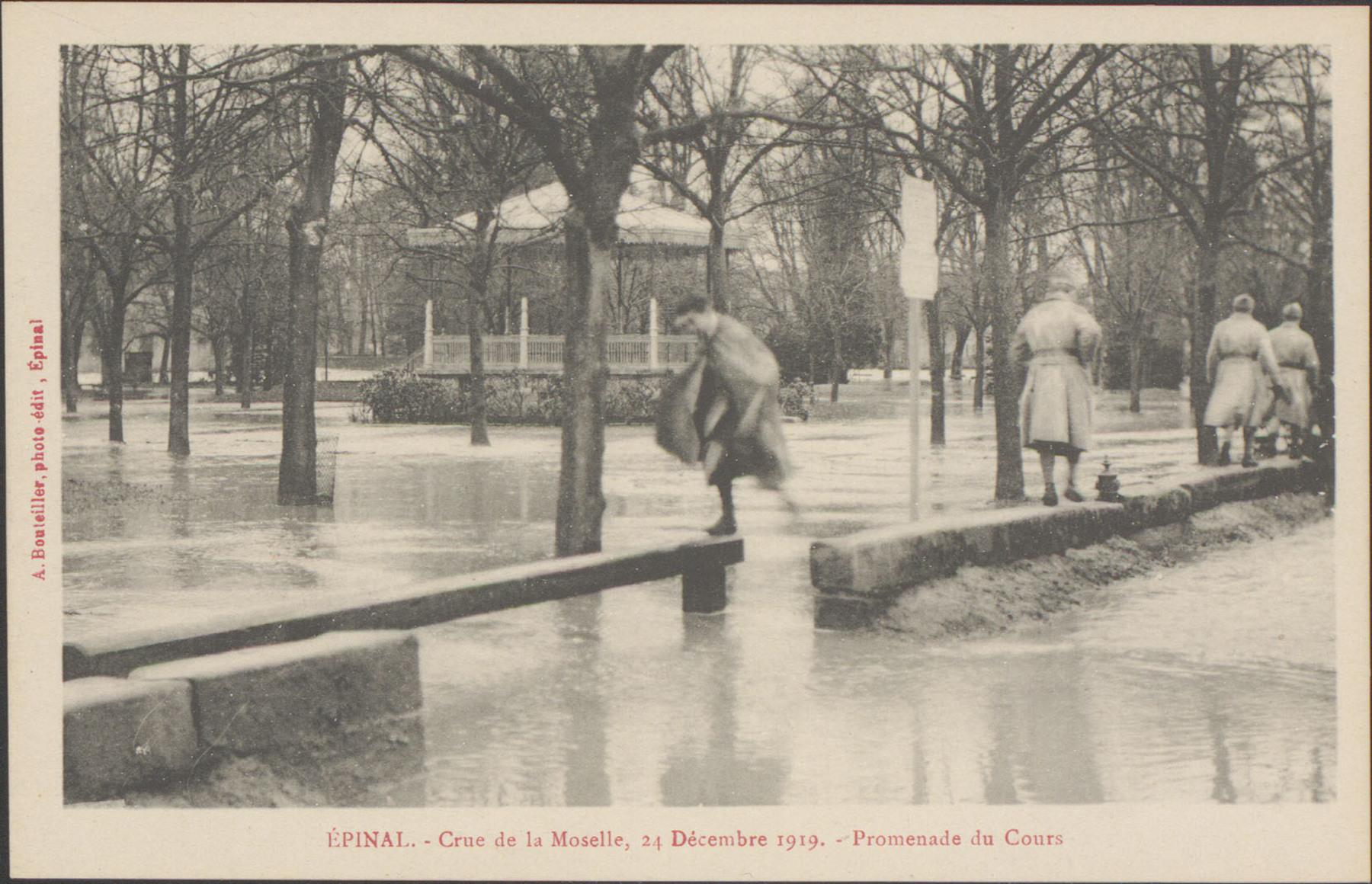 Contenu du Épinal, Crue de la Moselle, 24 décembre 1919, Promenade du Cours