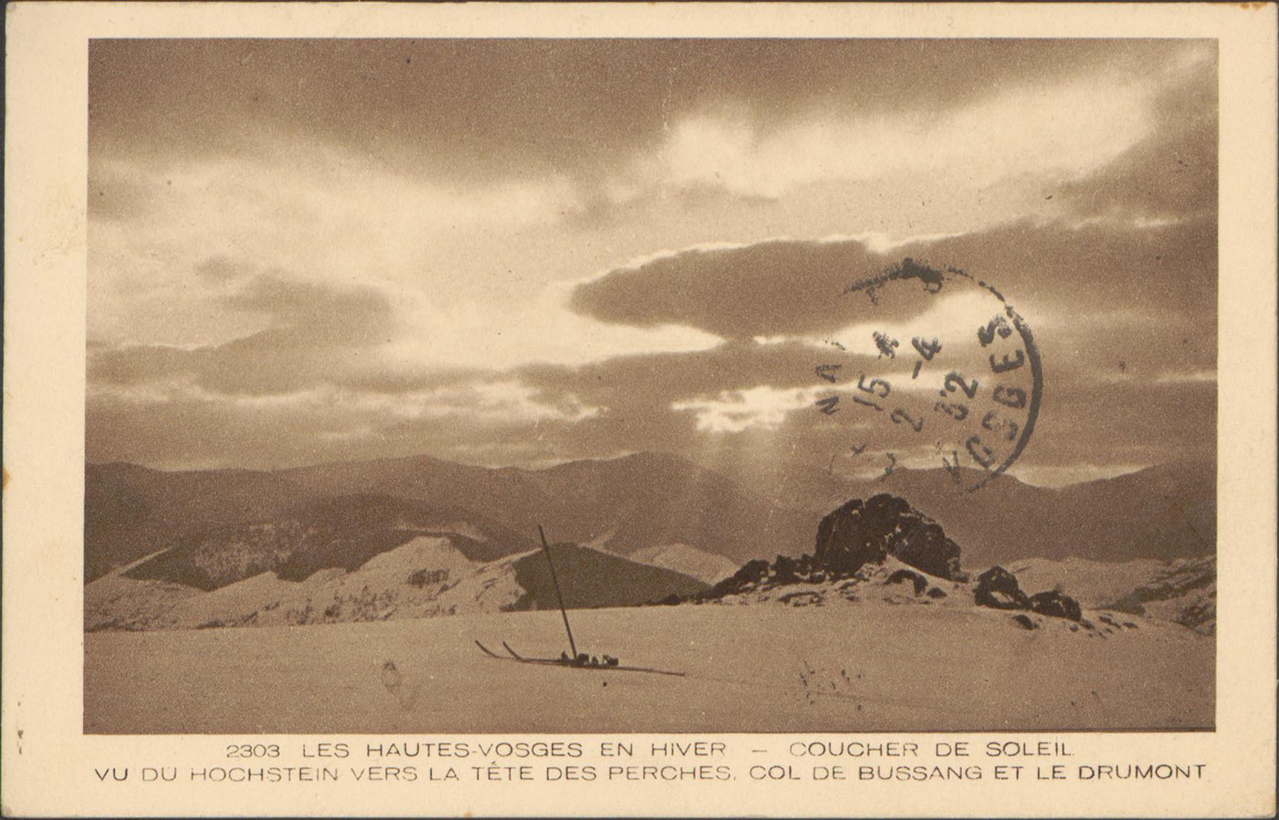 Contenu du Coucher de soleil vu du Hochstein vers la tête des Perches, Col de Bussang et le Drumont