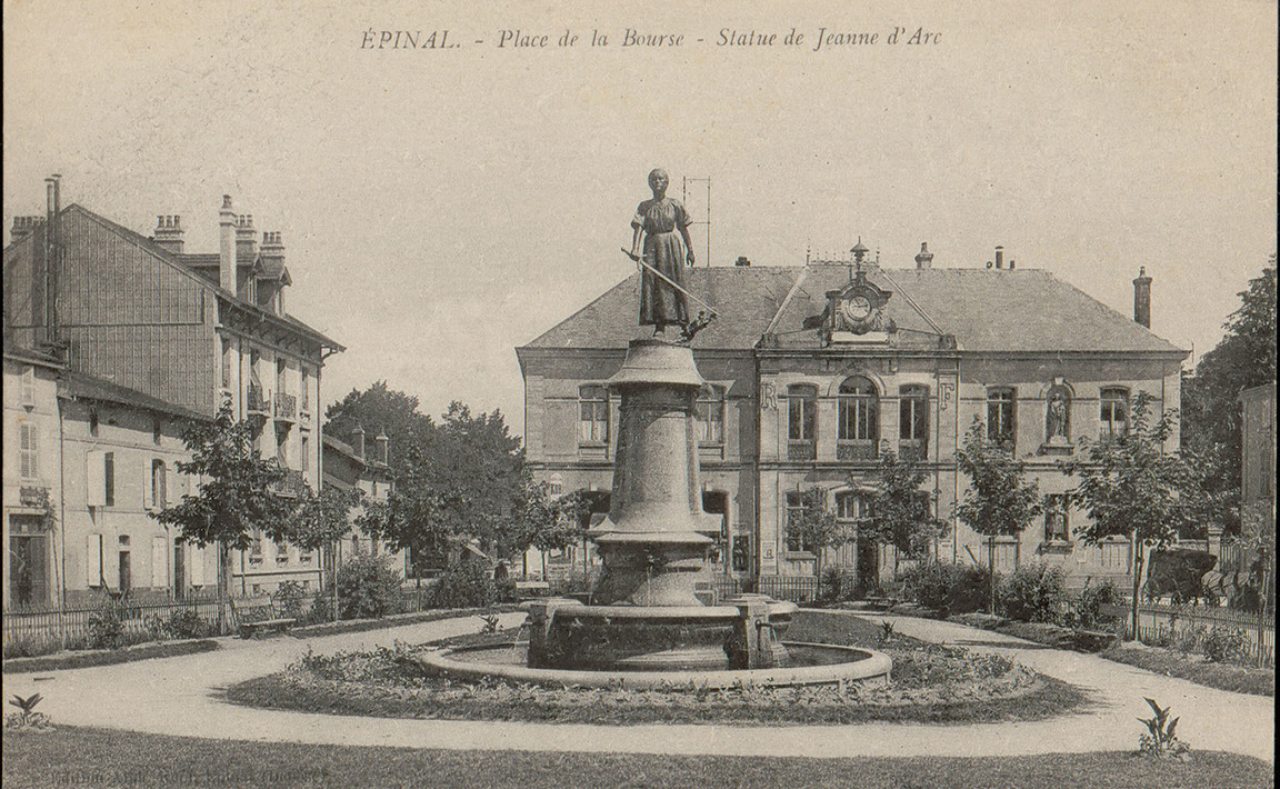 Contenu du Épinal, Place de la Bourse, Statue de Jeanne d'Arc