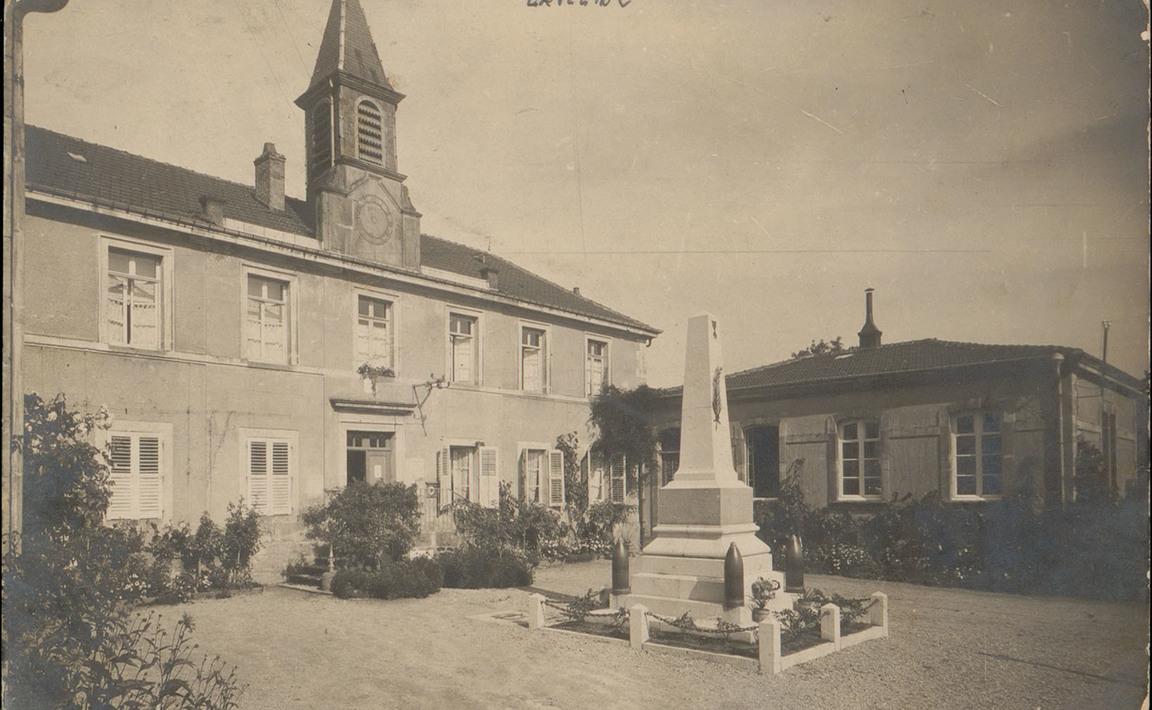 Contenu du Monument aux Morts de Laveline-devant-Bruyères