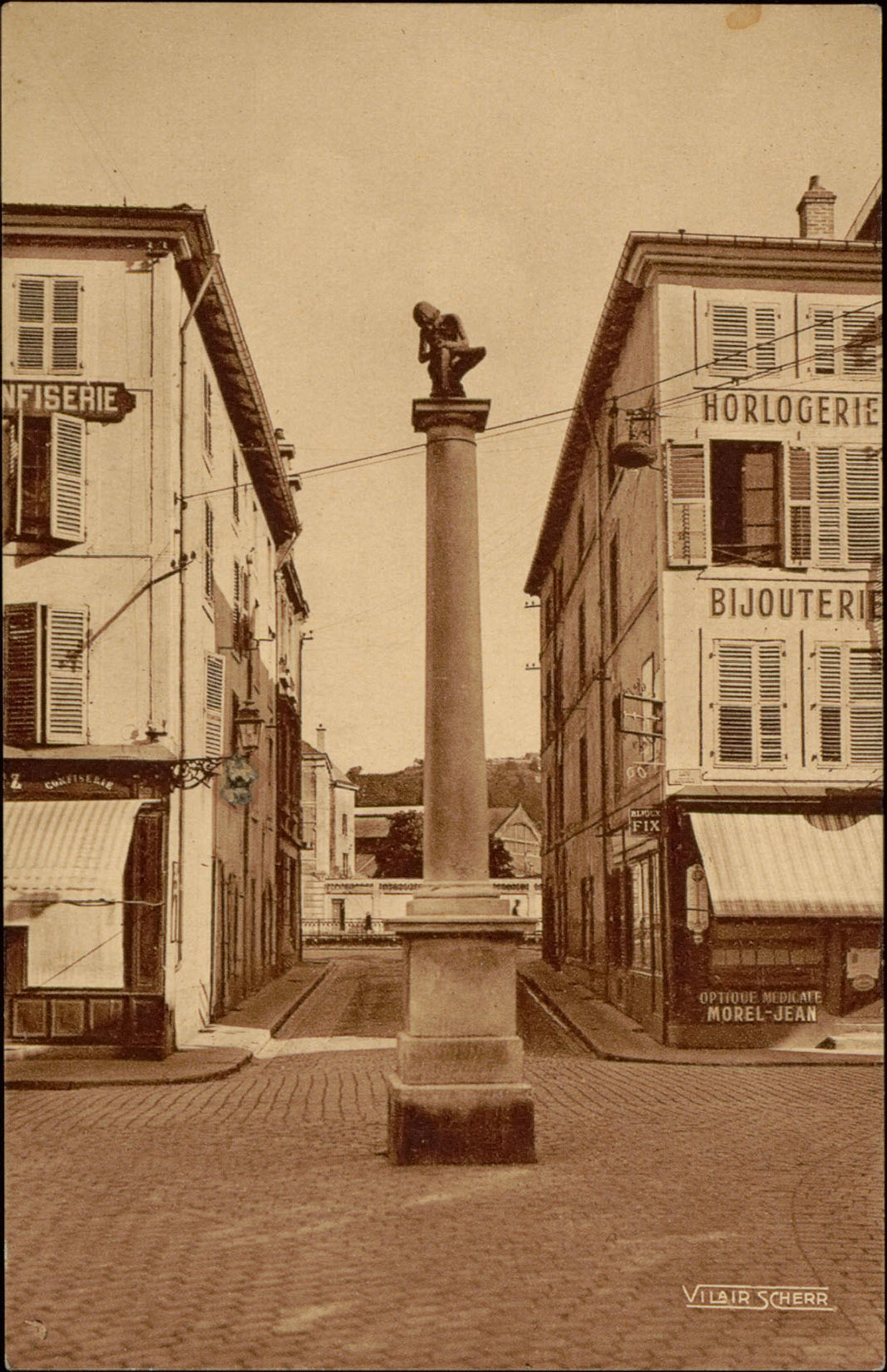 Contenu du Epinal, Statue Pinau