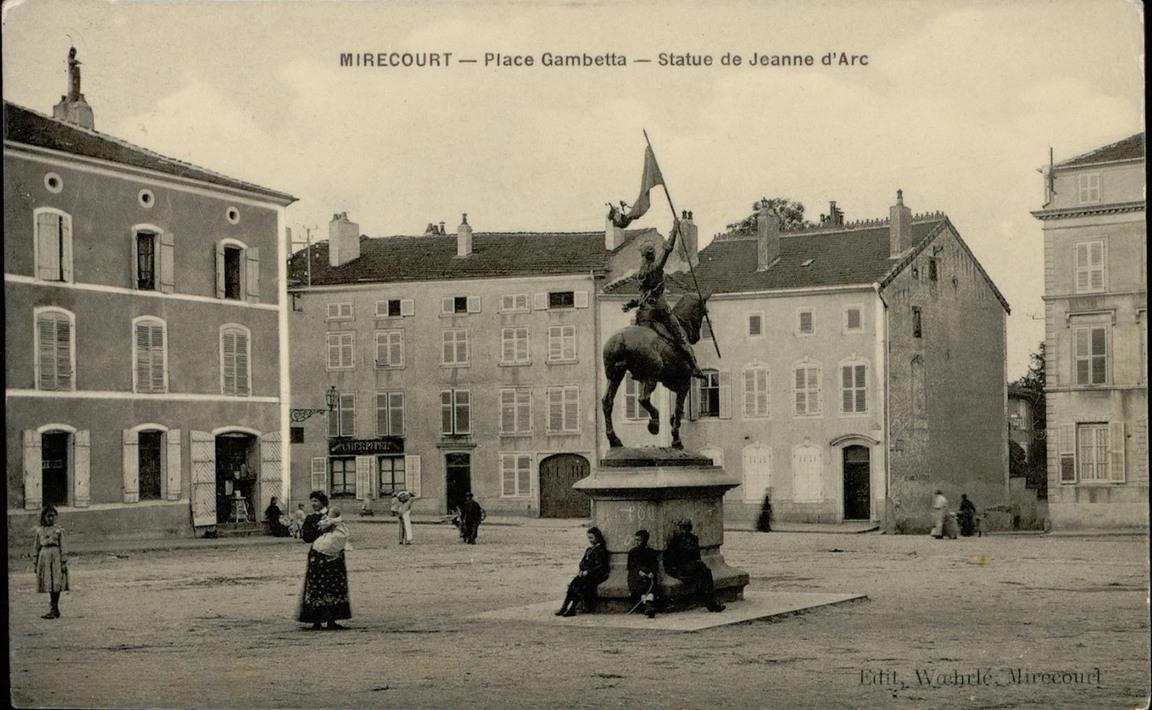 Contenu du Mirecourt - Place Jeanne d'Arc